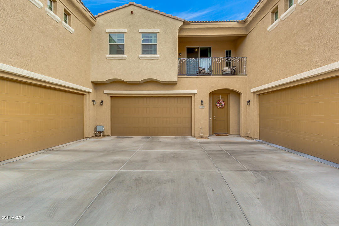 Photo of 1367 S COUNTRY CLUB Drive #1086, Mesa, AZ 85210