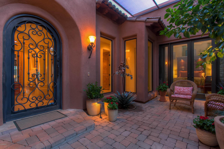 Photo of 10418 N VILLA RIDGE Court, Fountain Hills, AZ 85268